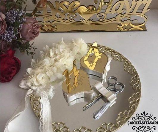 beyaz-soz-elbisesi-01